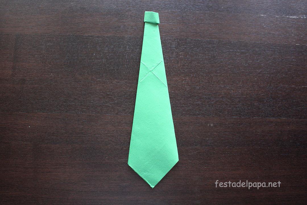 realizzare cravatta