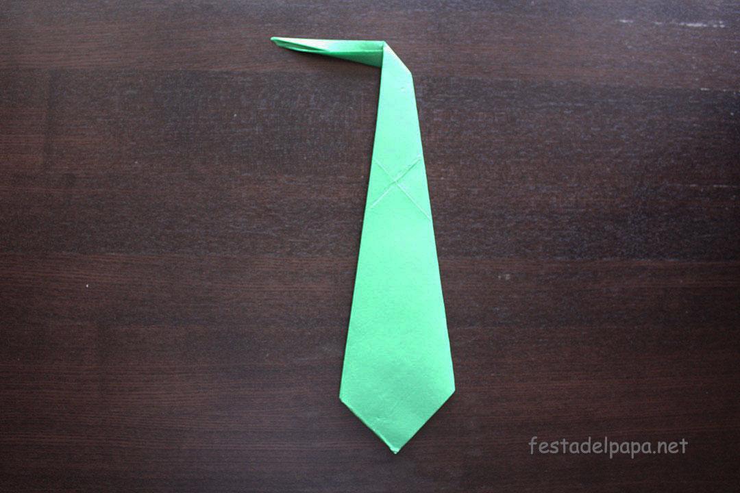 Realizzare cravatta con tovaglioli